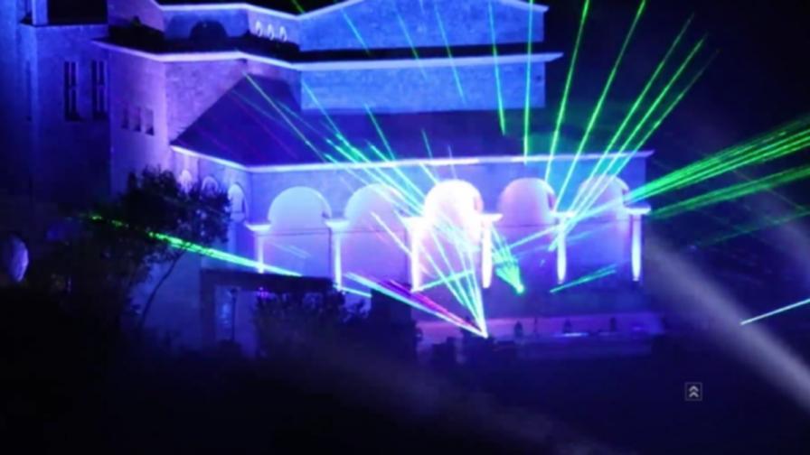 Уникална игра със светлини и музика в Търново