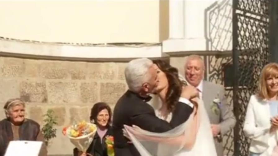 Волен Сидеров и Деница Гаджева с пищна сватба