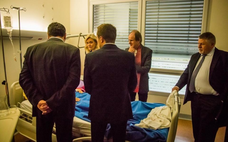 Изписаха от болницата ранените на Амиен - Лил
