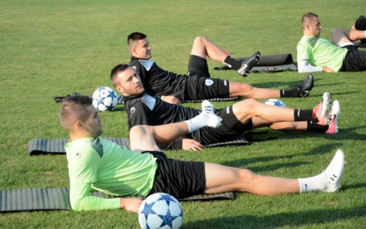 Черно море поднови тренировки без 11 футболисти, Мариян Огнянов минава резонанс