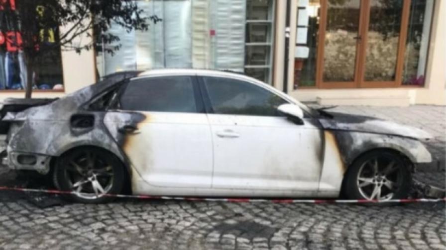 "Запалиха кола на репортер на ""Господари на ефира"""
