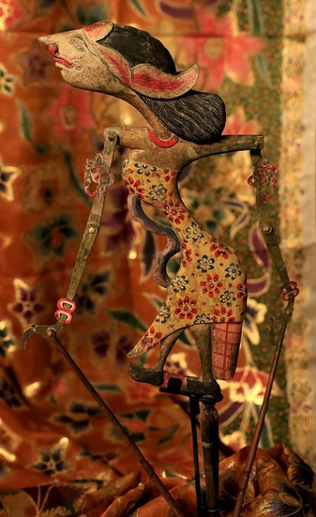 Сн. 14  - Фестивалът е организиран от посолството на Република Индонезия в партньорство с българската Национална галерия и запознава за първи път жителите и...