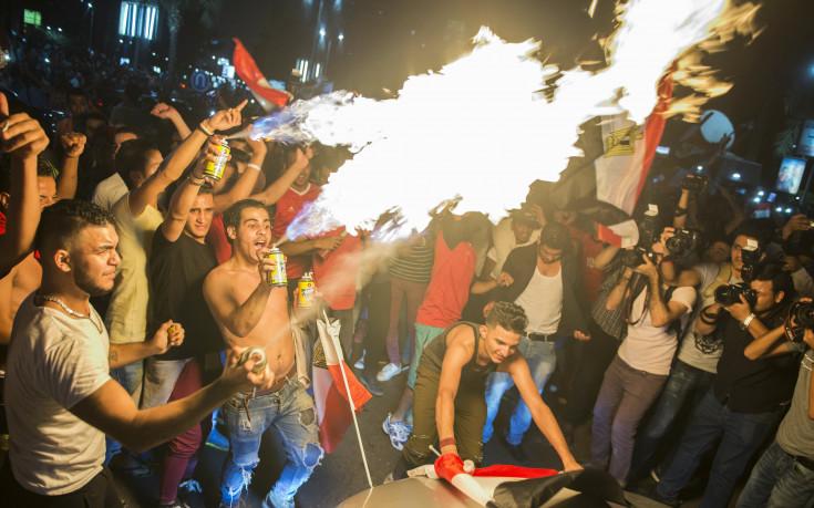 Луда нощ в Кайро след класирането на Египет за Мондиал 2018 (снимки)