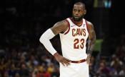 ЛеБрон под въпрос за старта на НБА