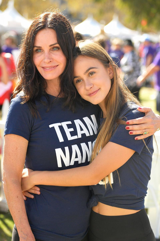 Дъщерята на Кортни Кокс изглежда е наследила чара и доброто сърце на майка си. 13-годишната Коко и звездата от Приятели бяха част от кампания, подкрепяща страдащите от коварното заболяване Амиотрофична латерална склероза.