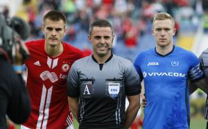 Левски с изненадващо голяма победа над ЦСКА в анкетата за дербито