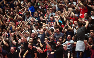 Фенският ад в Белград стресна французин: Мислех, че залата ще падне