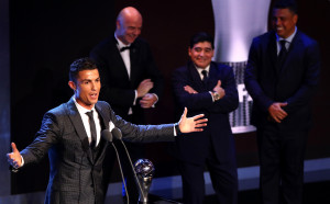 Роналдо отново триумфира като най-добър в света