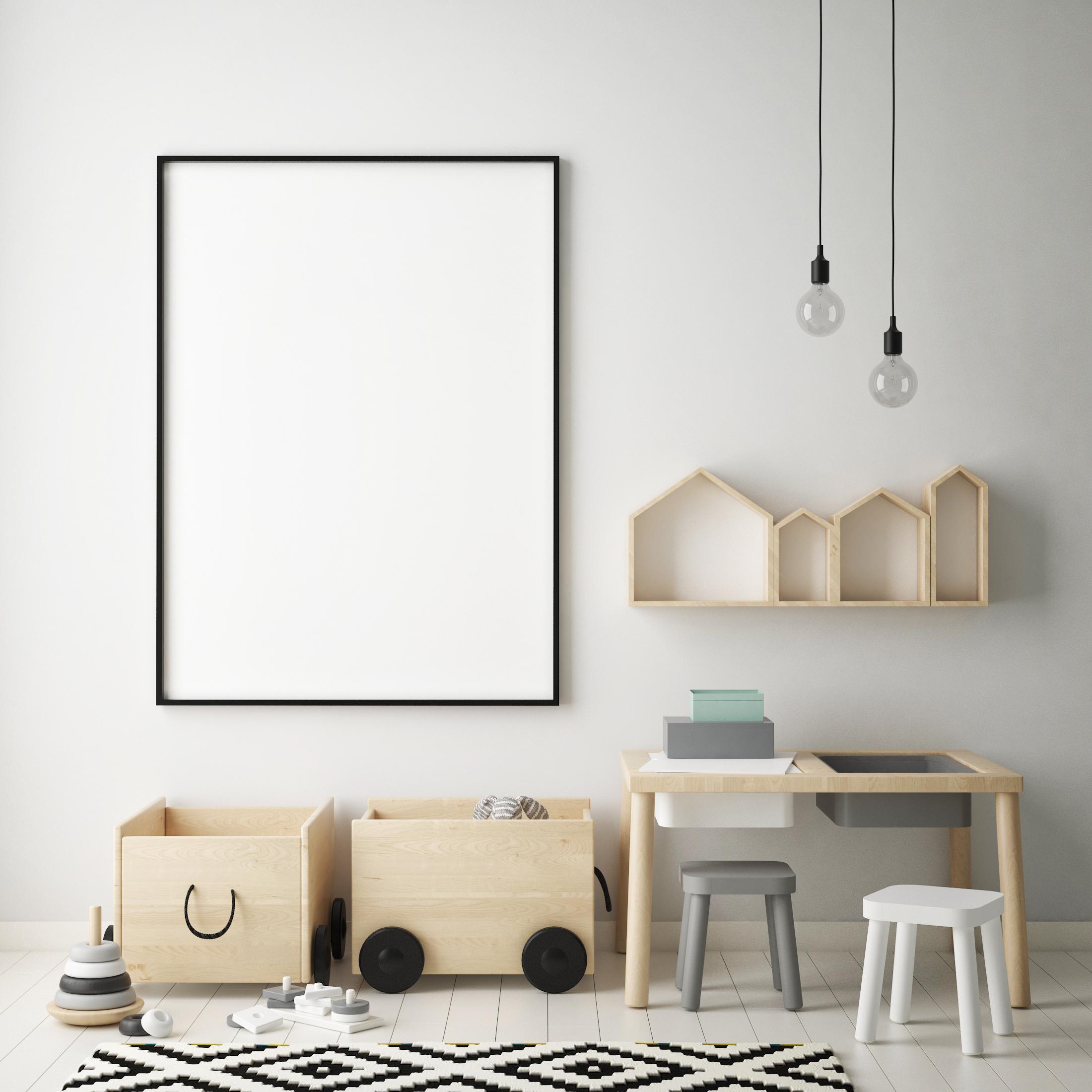 Не е задължително да боядисате детската стая в синьо или розово, да бъде претрупана от шарени плюшени играчки, килимчета. Може да създадете детско пространство, което да е удобно, практично и в същото време уютно, но в два или три основни цвята, които са по-семпли.