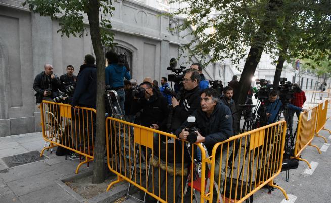 Кръв по перото: Колко журналисти губят живота си