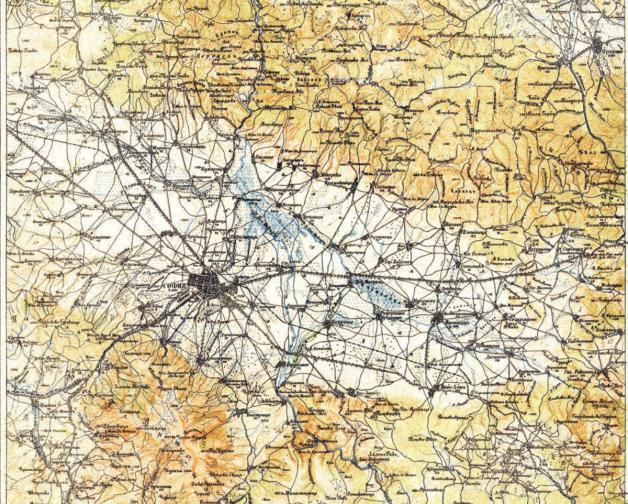В първите години руските карти са били преиздавани с руските знаци, разграфка, номенклатура и наименования. След 1900 г., новосформираната топографска част към Щаба на Армията (27.12.1891 г.),започва и тяхното преработване и постепенното им преиздаване с българска знакова система, наименования и добавени допълнителни оцветявания за различните картографски елементи от местността.