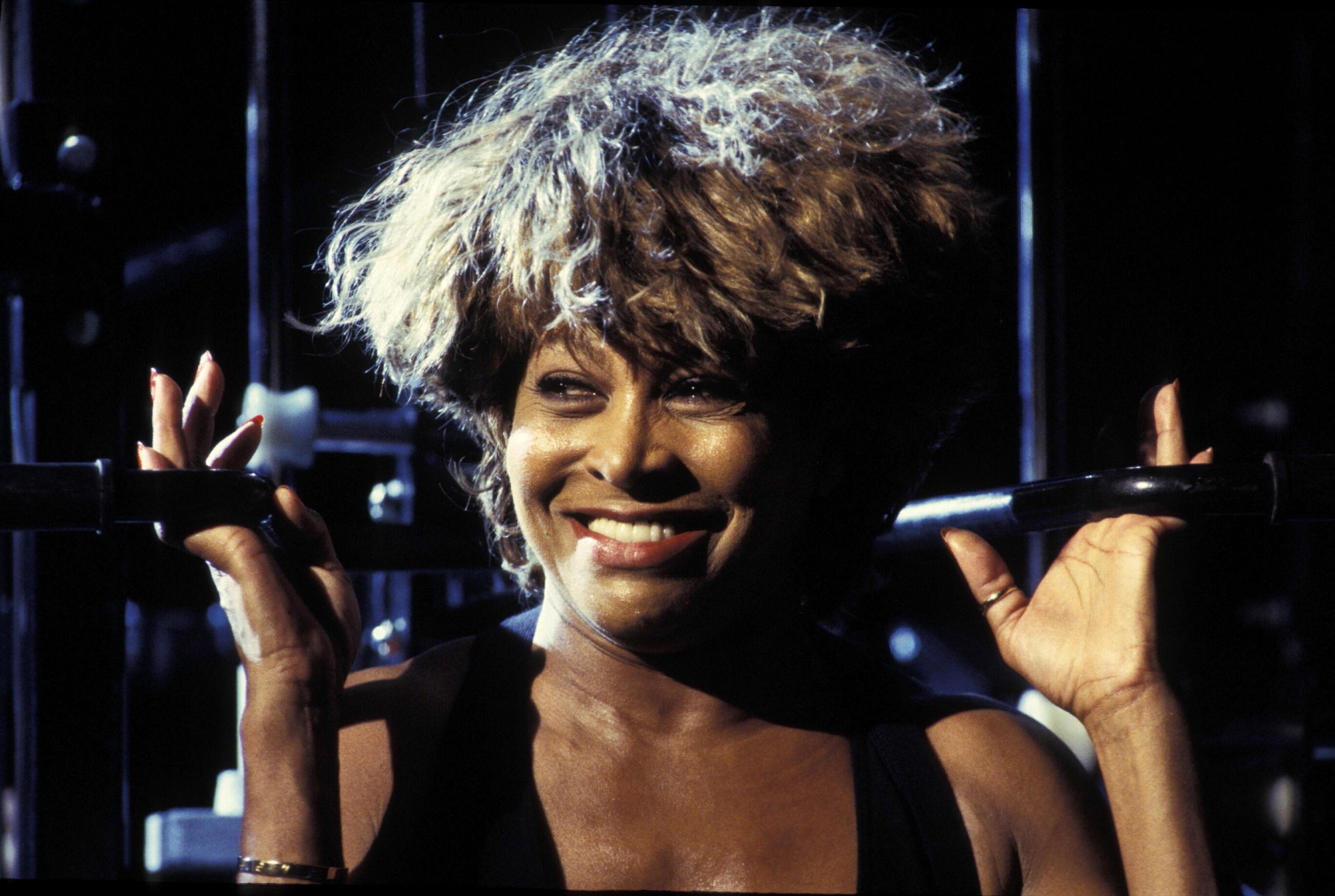 Тина Търнър в своите 50 през 90-те години