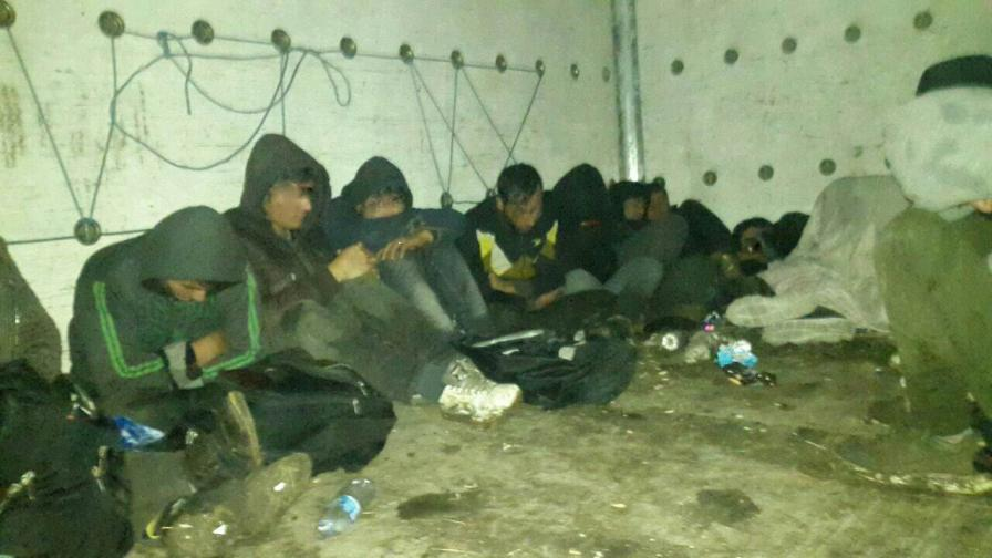 Турция спря над 300 мигранти към България и Гърция
