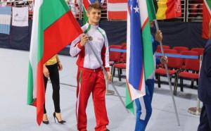 България с два финала на старта на Световното по скокове на батут