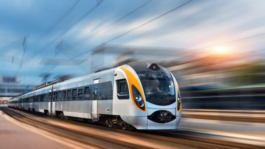 Само в Япония: влак тръгва 20 сек. по-рано, компанията се извини