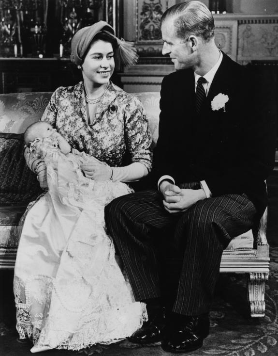 - Британската кралица Елизабет II и съпругът й - Единбургският херцог Филип отбелязаха платинена годишнина – 70 години от сватбата си.Никой от...
