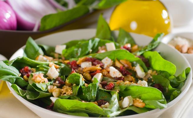 5 салати, с които да се справите с големия апетит