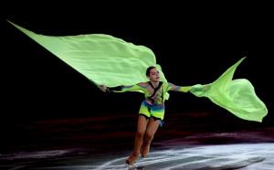 Сотникова се пуска в шоуспектаклите на Плюшченко