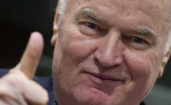 Преди прочитането на присъдата му днес Младич демонстрира добро настроение в съдебната зала в Хага. Впоследствие се разкрещя на съдиите заради предполагаемо лошото си здравословно състояние.