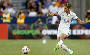 Реал Мадрид продава халф през януари
