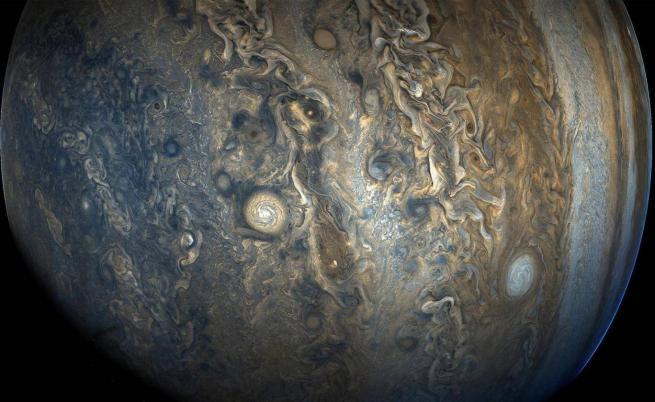 Юпитер, сниман от сондата Juno.