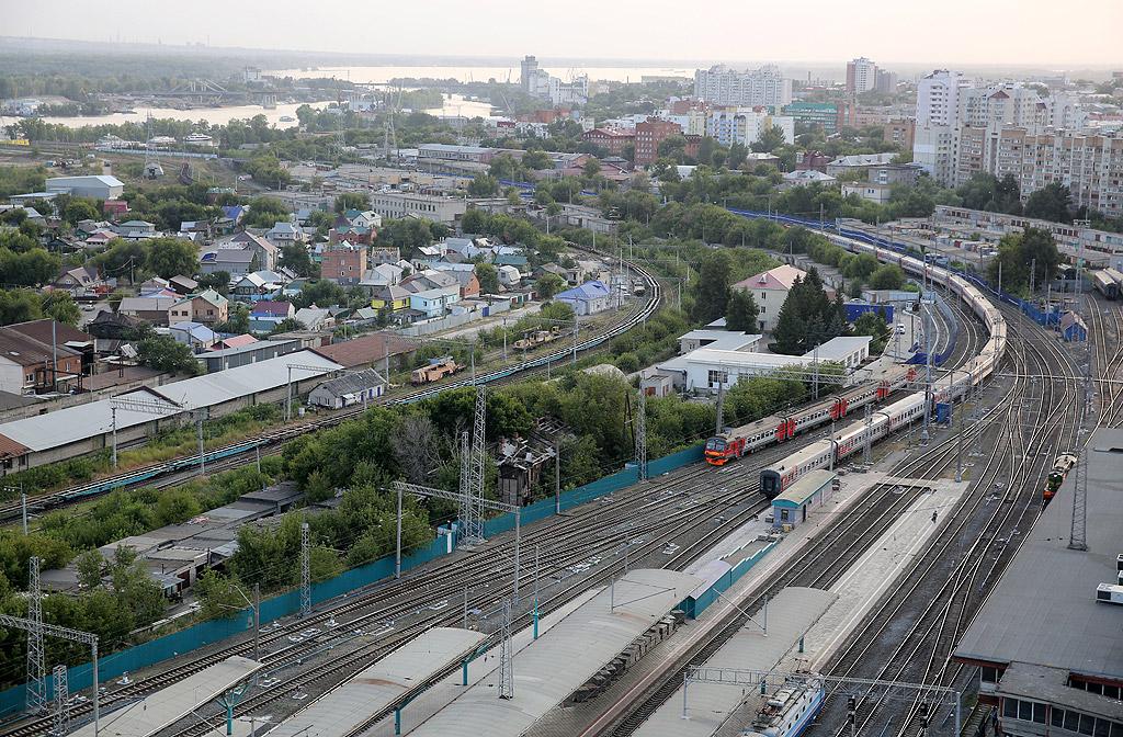 Самара е град в югоизточната част на Европейска Русия, административен център на Самарска област. Голям икономически, транспортен, научно-образователен и културен център. Основни промишлени отрасли са машиностроене, нефтопреработване и хранително-вкусова промишленост. Част от жителите му са потомци на волжките българи. Населението на града е 1 169 719 (2017), девети по население град в Русия. В пределите на агломерацията на Самара (трета в Русия по брой на населението) живеят над 2,7 млн души.