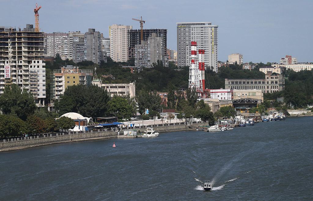 Ростов на Дон е град в Югозападна Русия, център на Ростовска област. Населението му през 2015 година е 1 115 000 души.