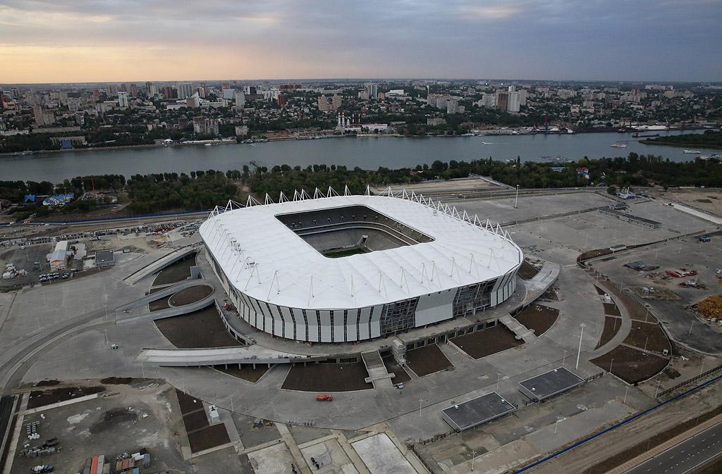 """""""Ростов Арена"""", Ростов на Дон. Стадионът е построен специално за първенството през 2018 година. Там играе местният футболен клуб """"Ростов"""". Съоръжението с капацитет 45 000 места ще домакинства четири срещи от груповата фаза и една от осминафиналите на първенството."""