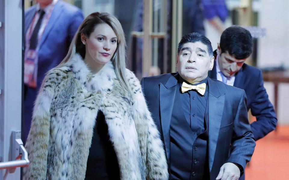 Нова сензация: Марадона се сгоди, вдига сватба