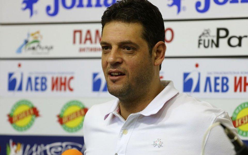 Пламен Константинов и Новосибирск с успех в Шампионската лига