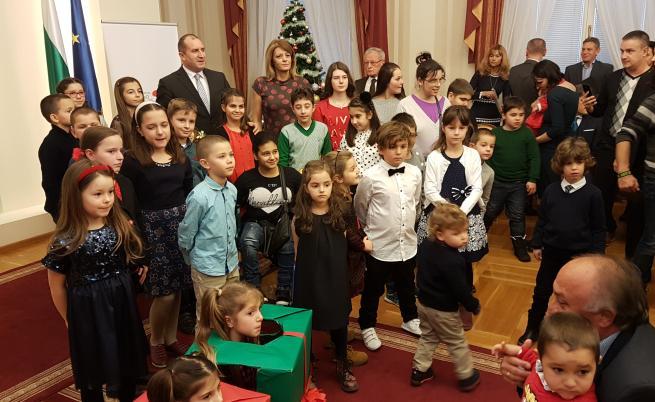 Президентът и децата на