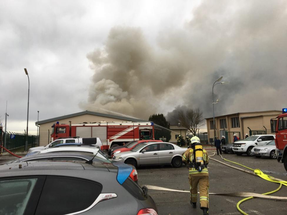 - Експлозия разтърси най-големия газов хъб в Австрия, намиращ се в Баумгартен, източно от Виена. По информация на Червения кръст ранените са 18, а един...