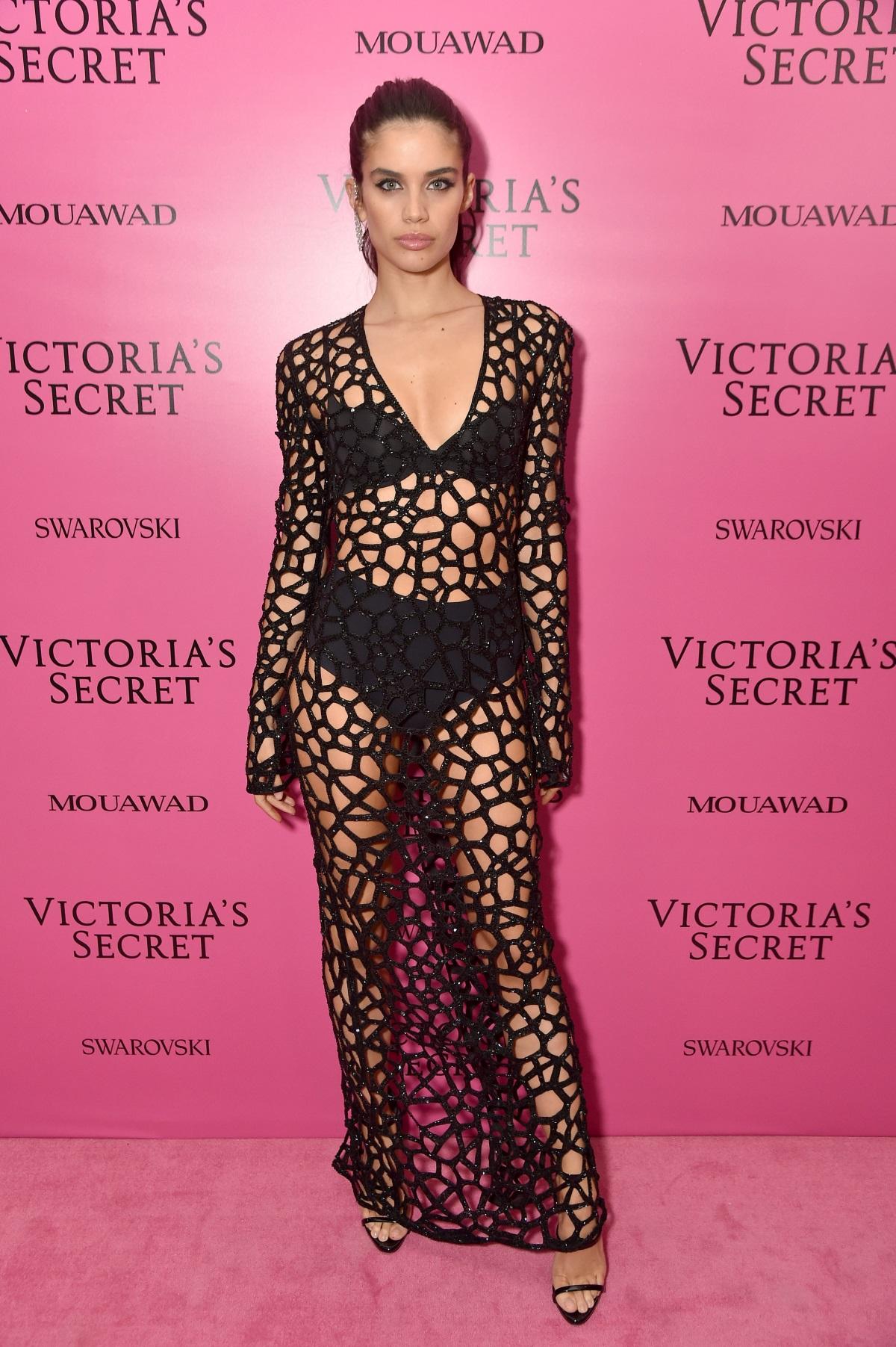 Ангелът на Victoria's secretСара Сампайо на афтърпартито след шоуто в Шанхай.
