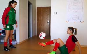 Какво се случва в съблекалнята на женските националки по футбол?