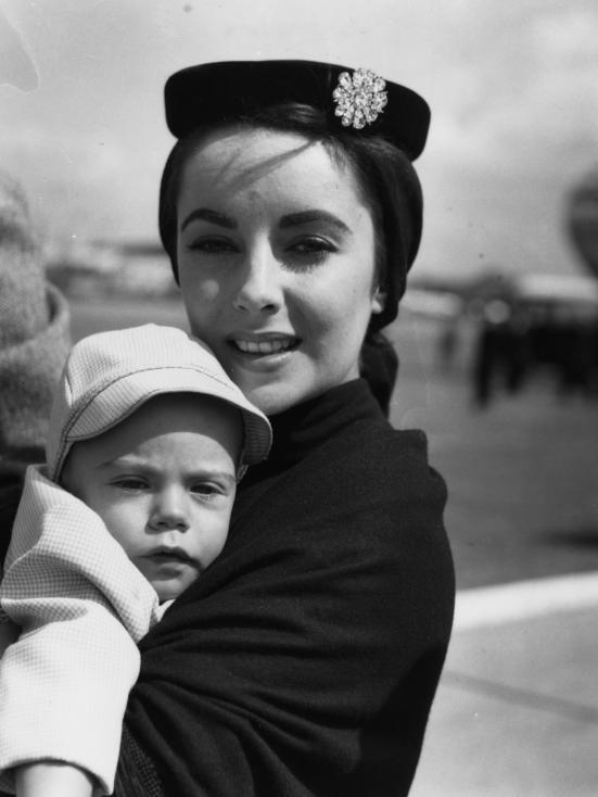 - 1953 г. Елизабет Тейлър
