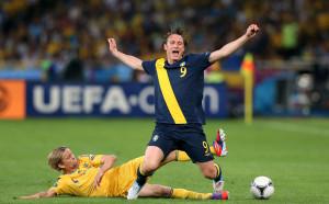 Халф със 127 мача за Швеция сложи край на кариерата си