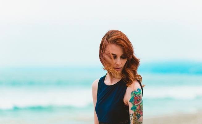 Татуировките и пиърсингите са забранени.