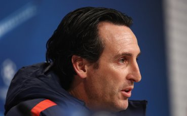 Арсенал изслушва оферти за седем души от първия състав