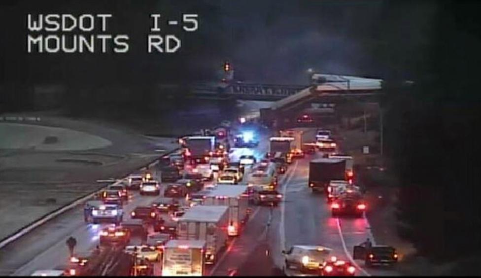 - Трима загинали при влаковата катастрофа в САЩ Властите на щата Вашингтон потвърдиха официално смъртта на трима души при тежкия жп инцидент, близо до...