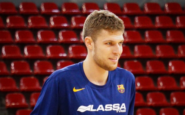 Александър Везенков<strong> източник: twitter.com/FCBbasket</strong>