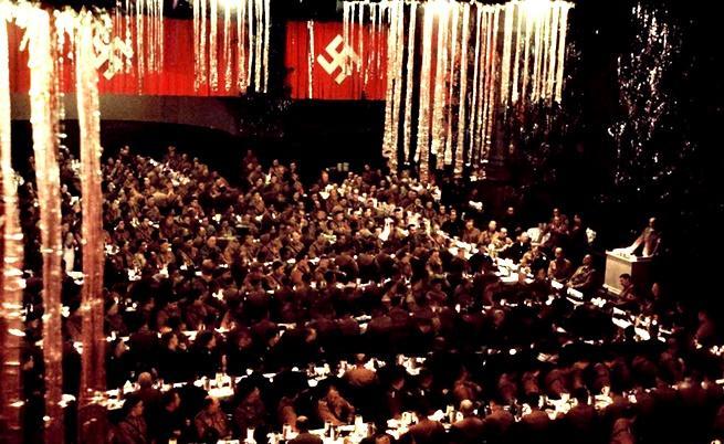 1941: Нацисткото коледно парти на Хитлер