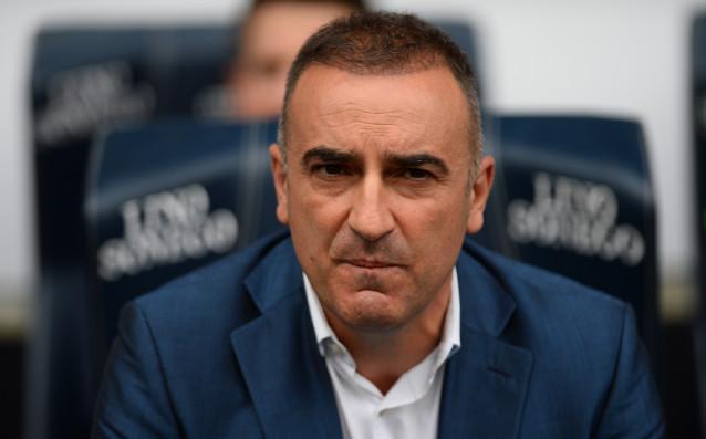 Суонси назначи Карлос Карвалял за нов мениджър на отбора. Той