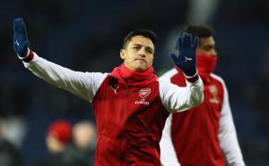 Арсенал още спира Алексис от тлъстите пачки в Юнайтед
