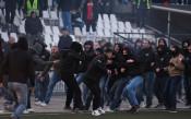 Безумие: Фенове в Пловдив отново се биха, един с опасност за живота