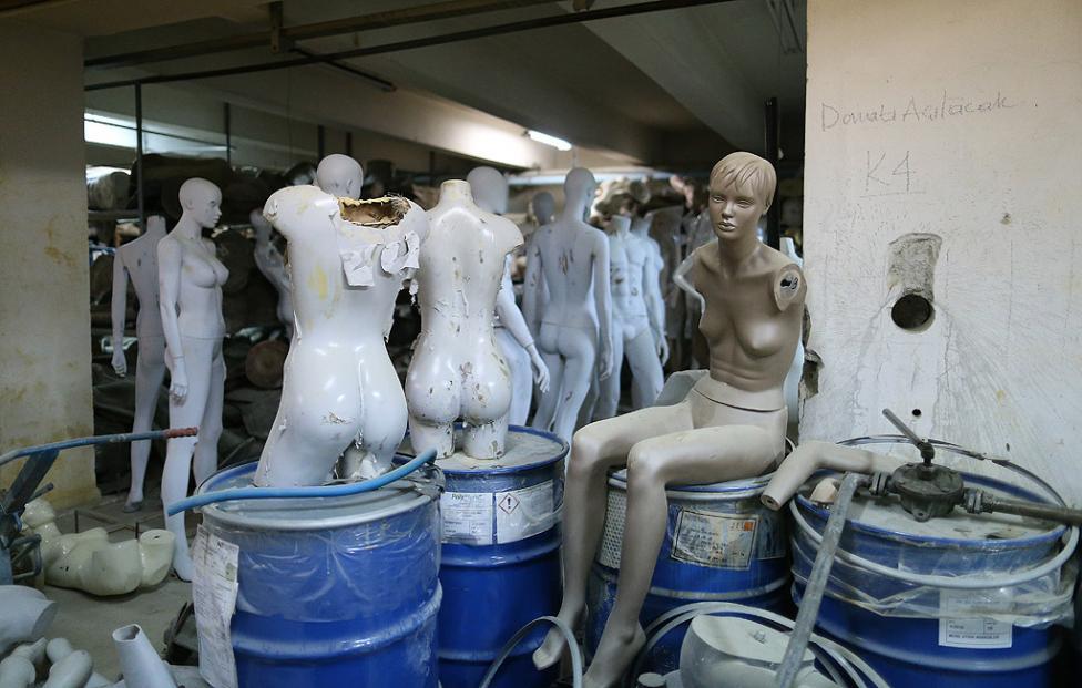 - Около 35 хиляди манекена се произвеждат всяка година в Турция. Произведените манекени се изнасят в европейските страни, главно във Франция, Испания и...