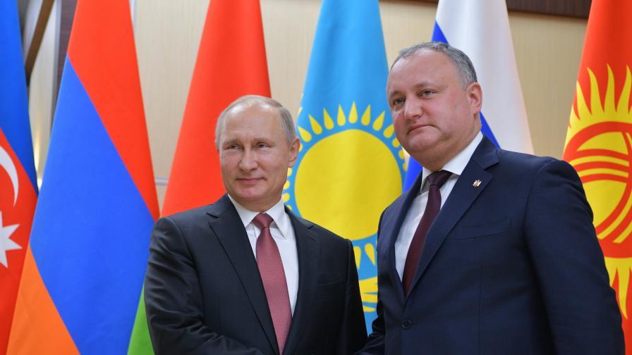 Напрежение в Молдова, съдът суспендира правомощията на президента