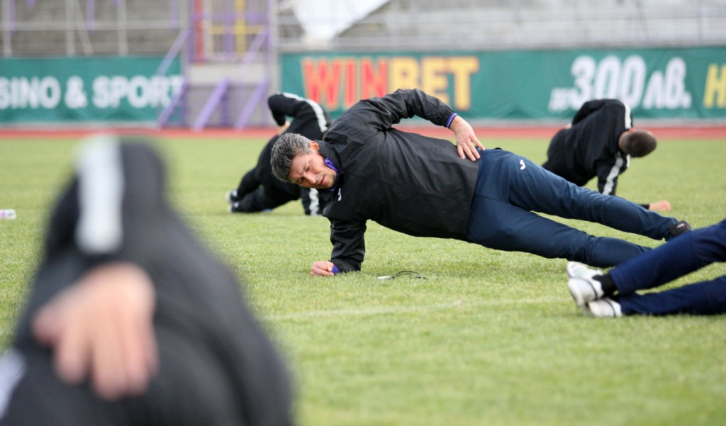 Краси Балъков изведе Етър на първо занимание<strong> източник: Lap.bg</strong>