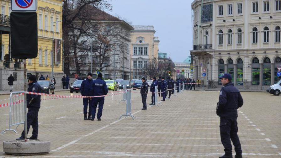 Българските полицаи били сред най-добре платените
