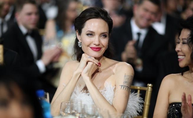 """- Актрисата присъства на 23-тата церемония по раздаването на наградите """"Изборът на критиците"""", в Санта Моника."""