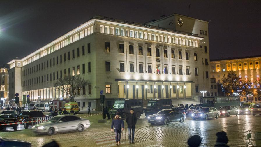 Трети ден блокада в София, важни срещи